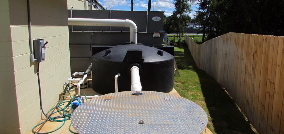 OxyShark aluminum wastewater holding tank plug flow